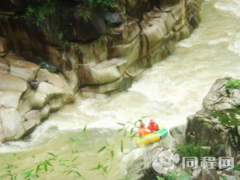 大溪峡激流闯滩漂流门票 杭州大溪峡激流闯滩漂流 杭州大溪峡激流闯图片